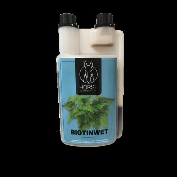 Biotinwet est un complément alimentaire pour chevaux de la marque HNP-Horse Nutrition Project